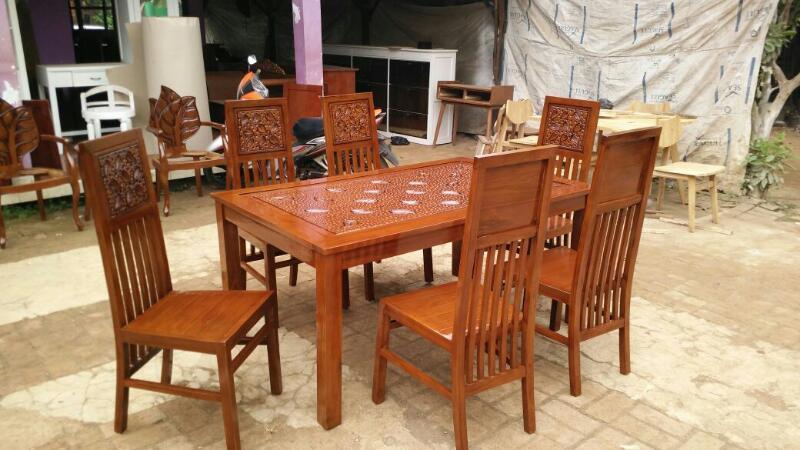 Meja kursi makan jati minimalis ukir bunga