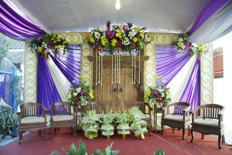 Set kursi betawi dekorasi pernikahan