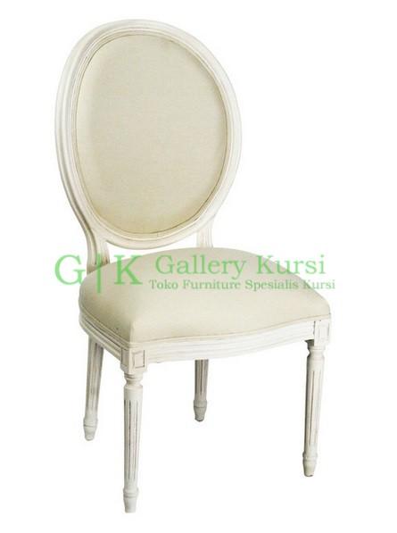 Kursi Makan Oval Putih
